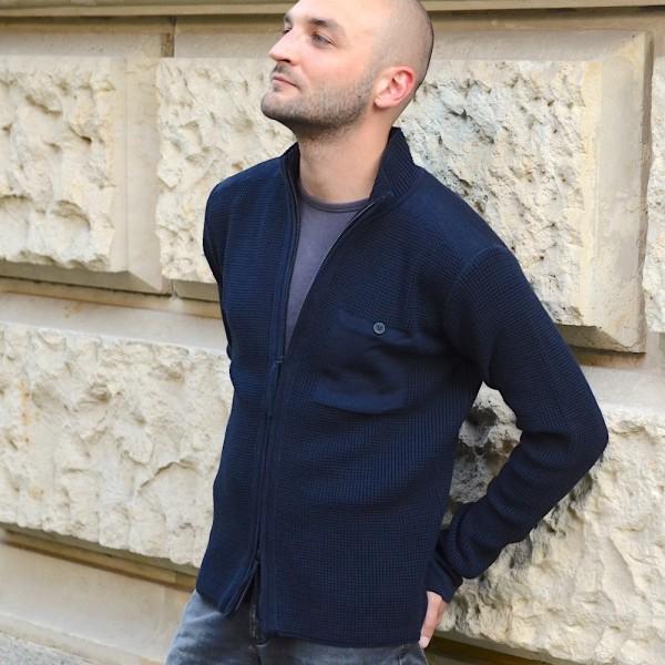 Herausragende Strickjacke von HANNES ROETHER aus feiner Merino-Schurwolle