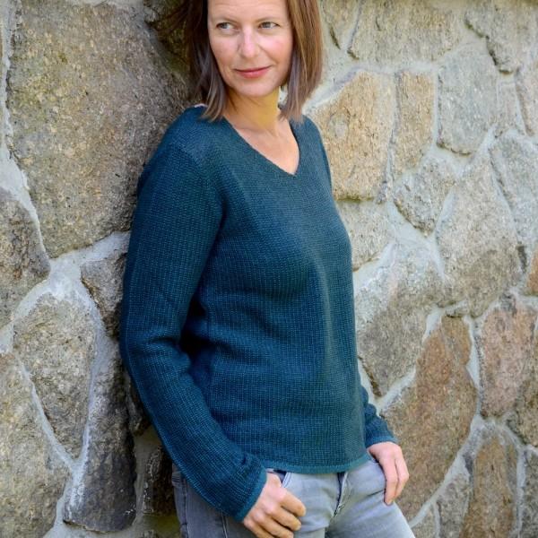 Femininer V-Ausschnitt Wollpullover für Damen von LES RACINES DU CIEL aus der Bretagne