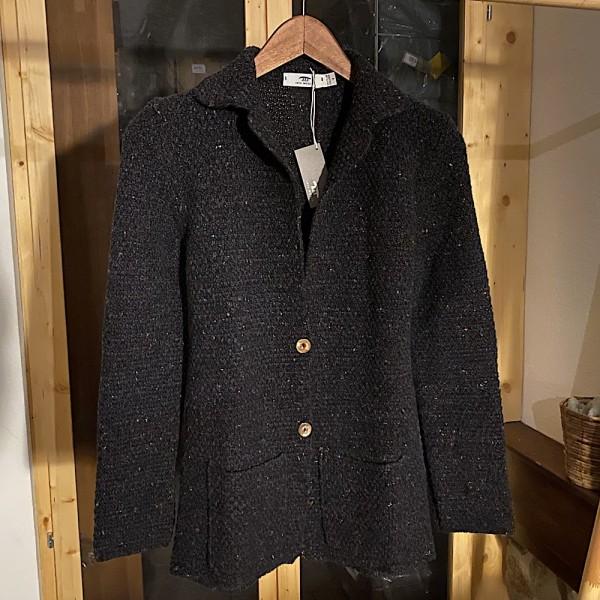 Moss Stich Jacket aus 20% Kaschmir und 80% feiner Merinowolle von der irischen Edel-Strickerei INIS MEÁIN Knitting Comp.