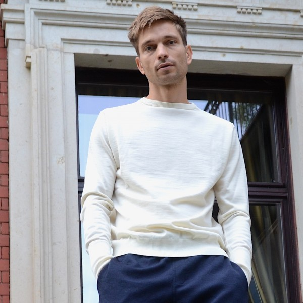 Leichter, weißer Seemanns-Pullover für Liebhaber authentischer Wollpullover vom dänischen Label ANDERSEN-ANDERSEN