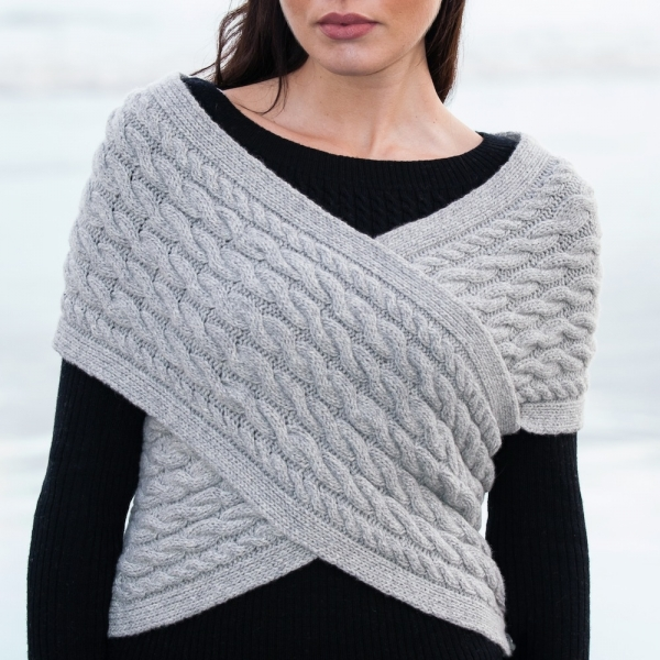 Aoife S. | Wrap - pearl grey