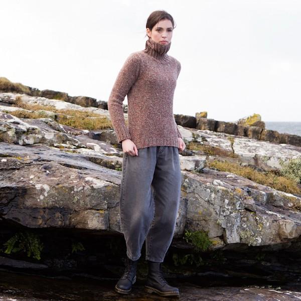 Rollkragenpullover aus weichem Donegal Tweed von Fisherman out of Ireland.