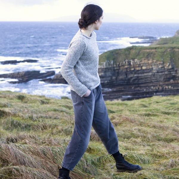 Lässiger Donegal Tweed Pullover mit Rollbündchen von Fisherman