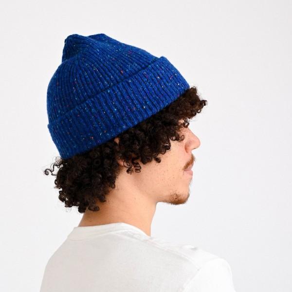 Melierte Mütze vom belgischen Label HOWLIN aus reiner Schurwolle in mittelblau