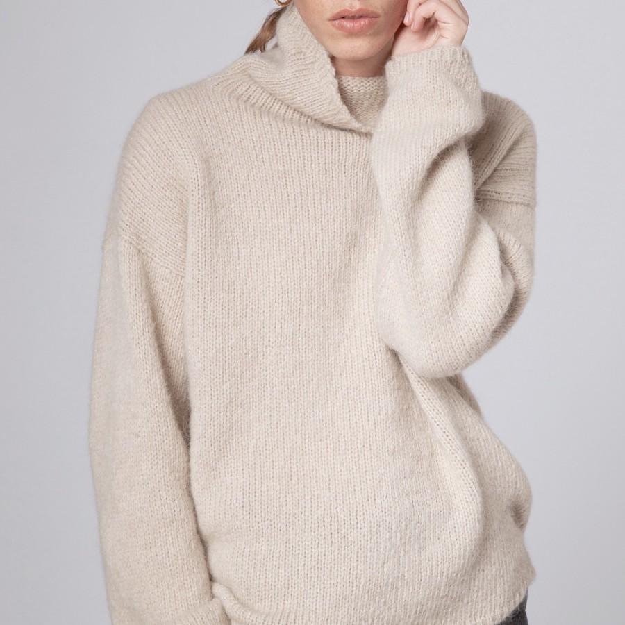 Lässiger Oversize-Pullover mit halsfernem Stehkragen von FISHERMAN out of IRELAND.